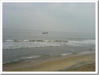 Fishermen on a solitary trip - cherai beach