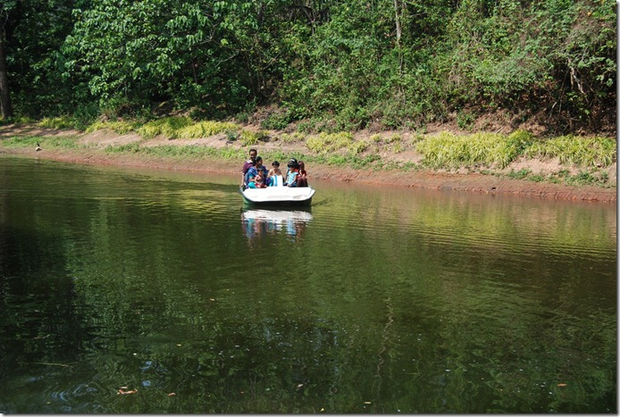 Boating in thenmala adventure zone