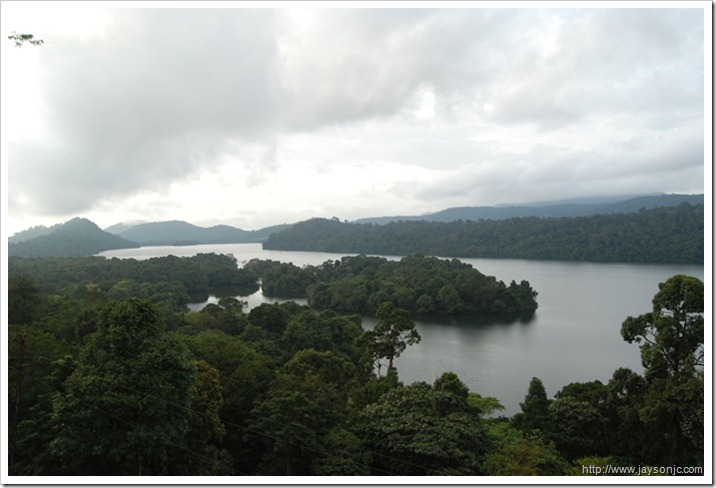 View of the Sholayar dam lake