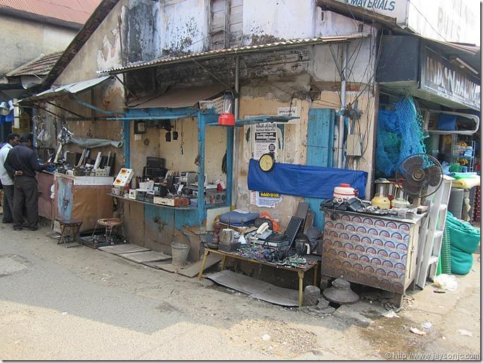 Electronic scrap at Chalai